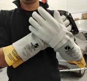 دستکش های عایق برق سکورا